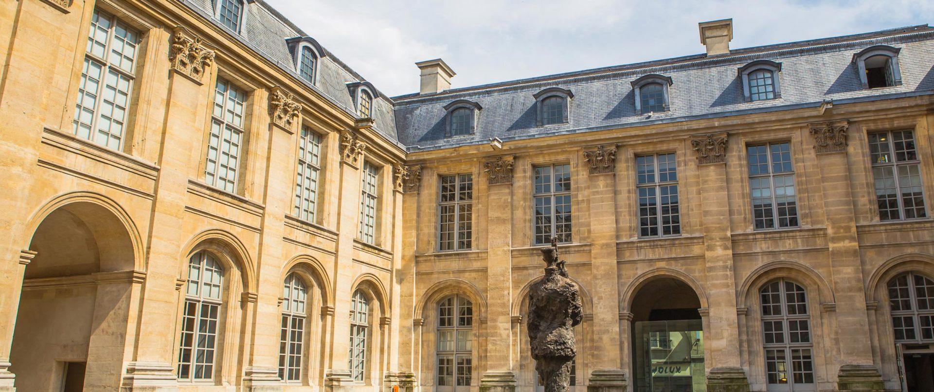 kids-tour-marais-medieval-paris-private1