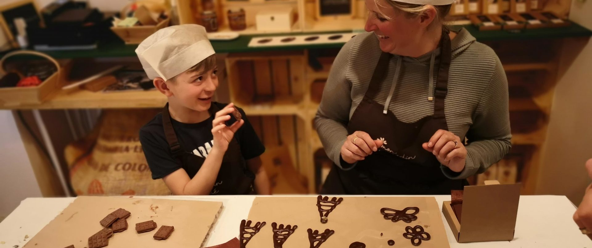 chocolate-making-course-kids-teens-workshop-paris