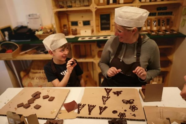chocolate-making-course-paris-family-tour-paris