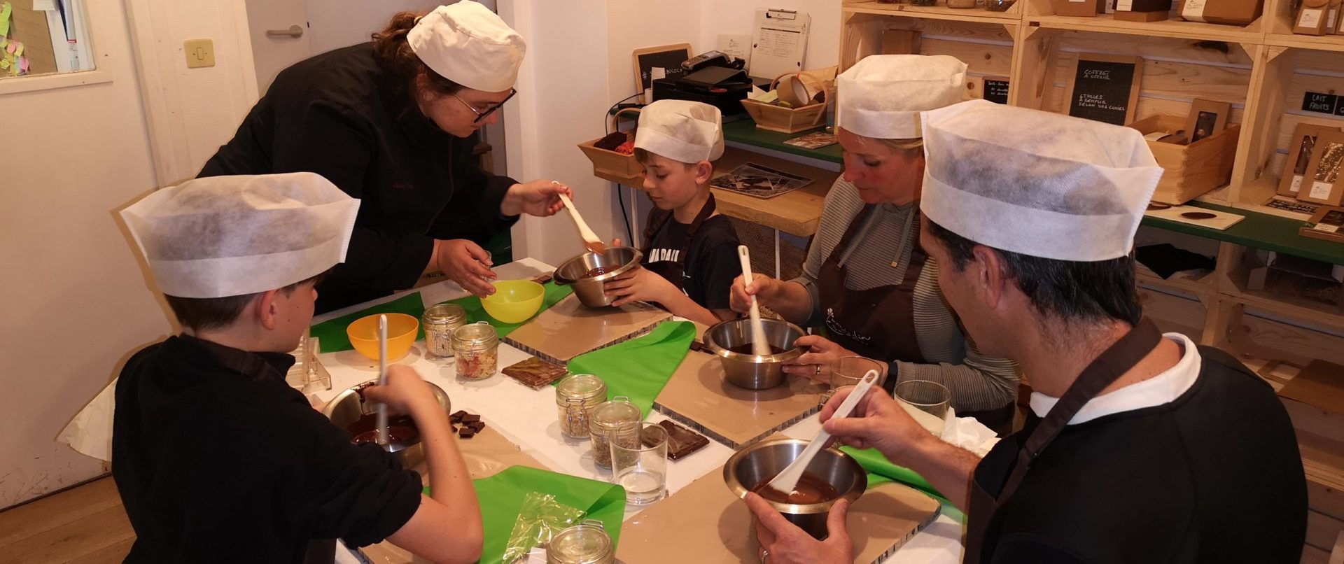 chocolate-making-course-private-workshop-paris