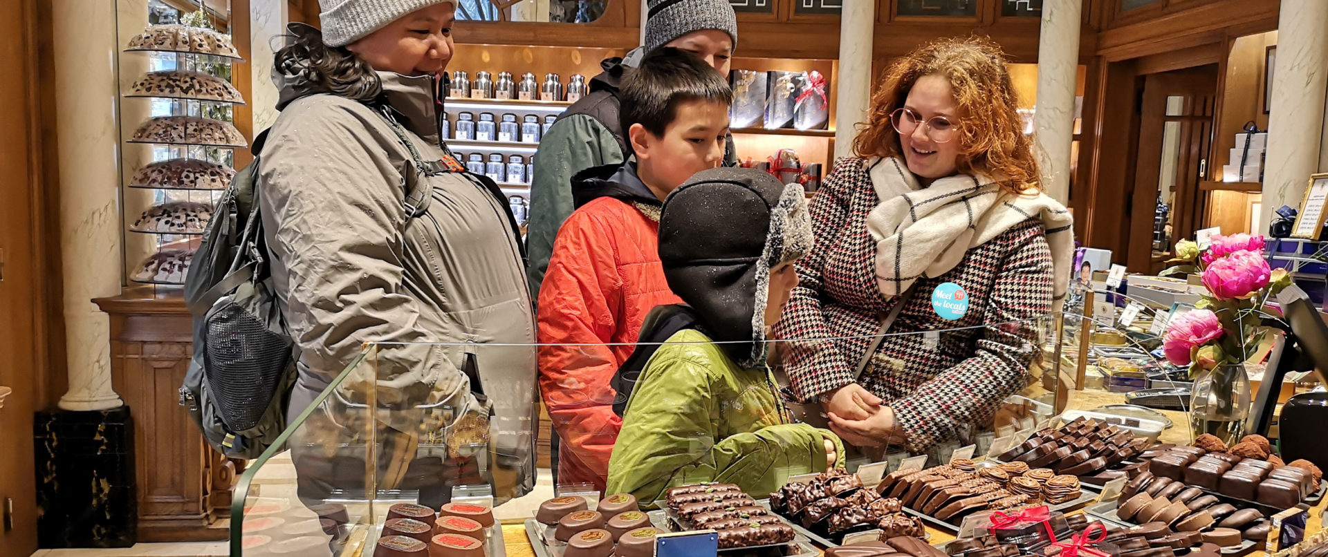 chocolate-scavenger-hunt-stores-walking-tour-private1