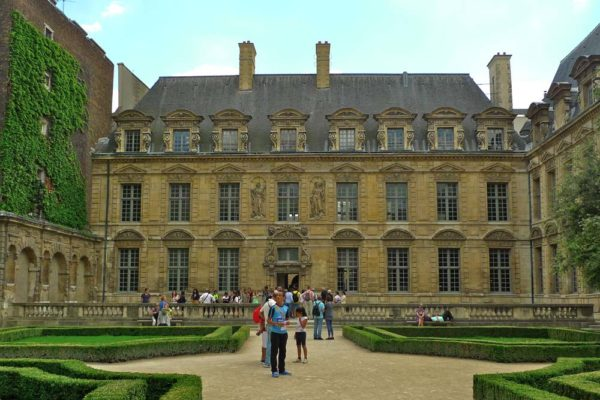 history-of-paris-teens-tour-private