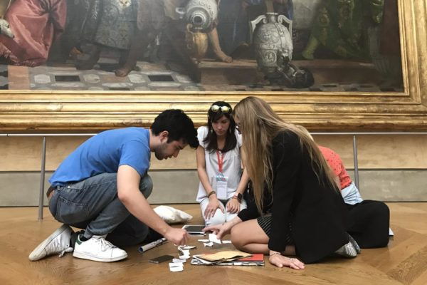 louvre-teens-tour-fun-game-private