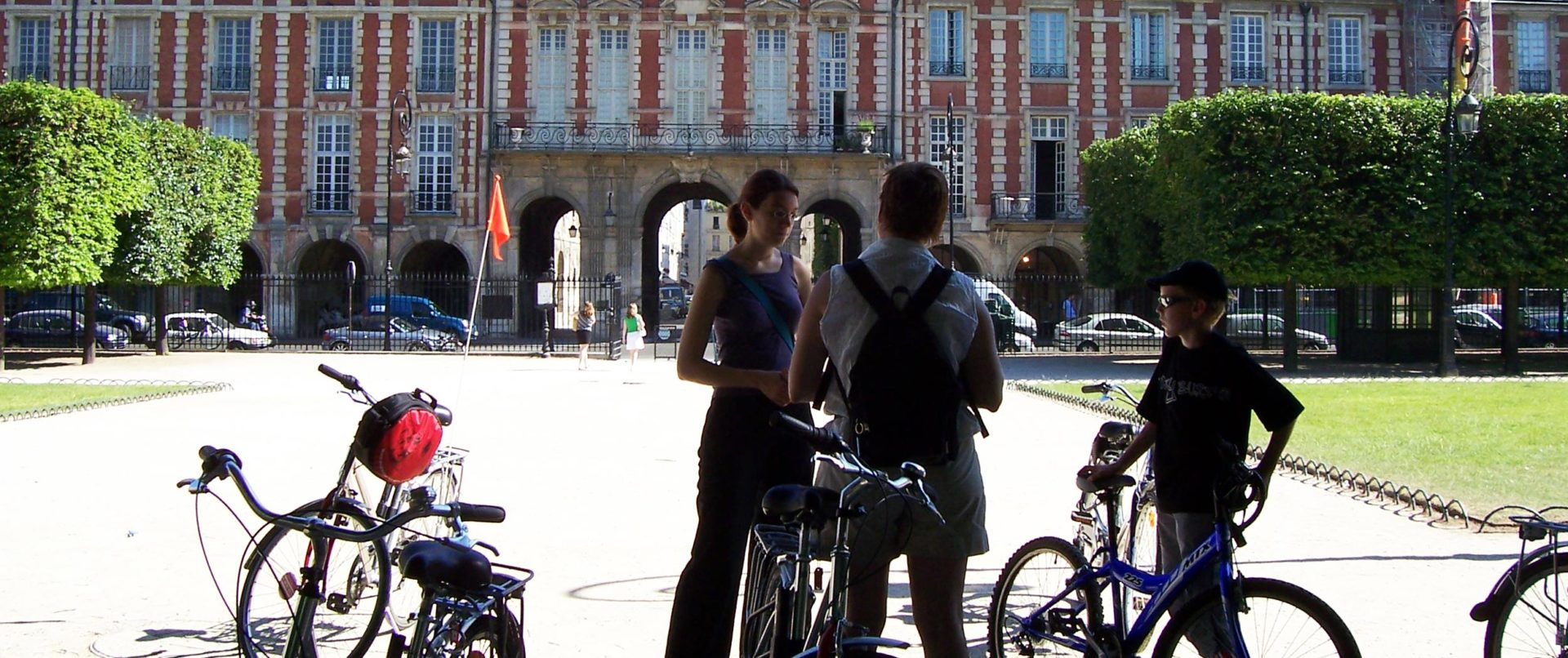 paris-bike-tour-family-marais-vosges
