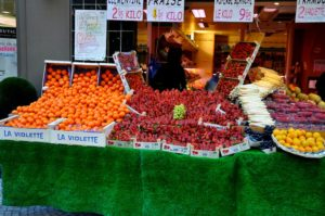 Top 7 Outdoor Food Markets in Paris