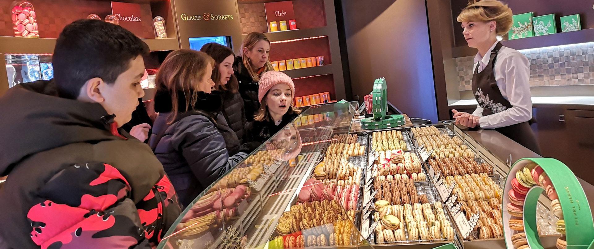 pastry-tour-paris-marais-family-experience-herme