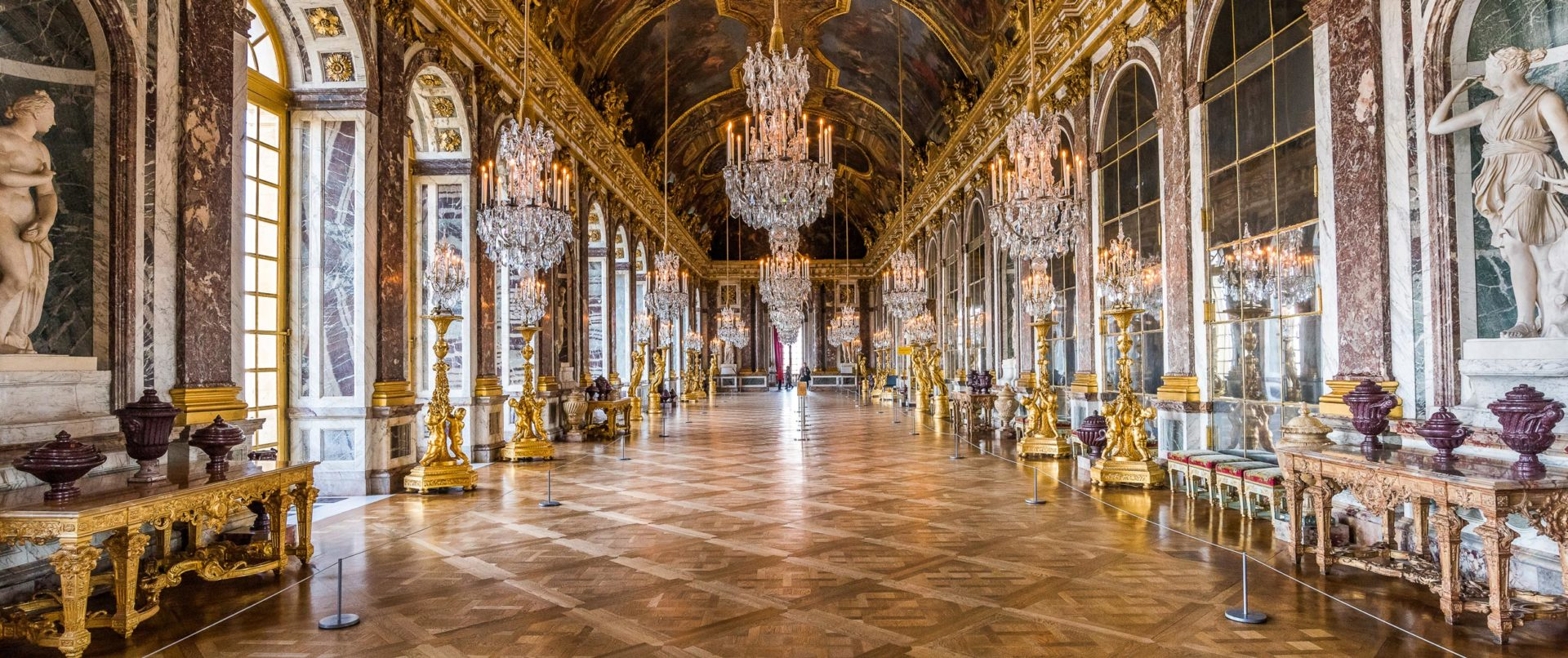 versailles-family-tour-kids-booklets-hall-of-mirrors