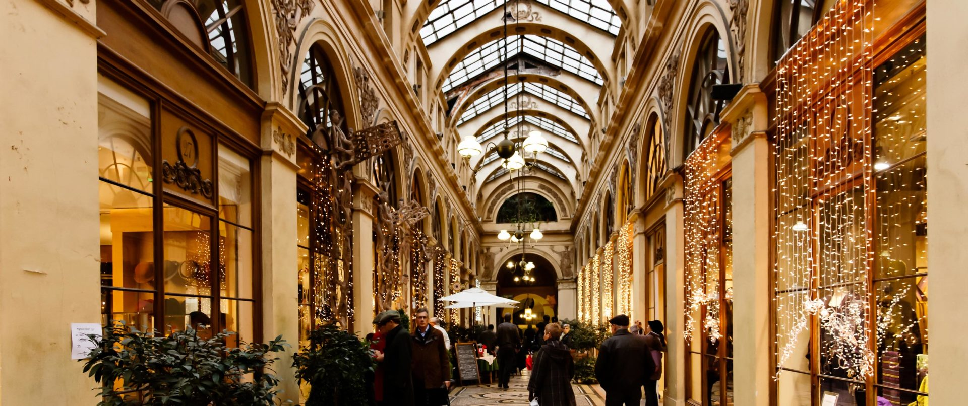 Christmas-treasure-hunt-paris-covered-passages