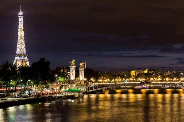 Paris-Night-Van-Eiffel-Tower-cover