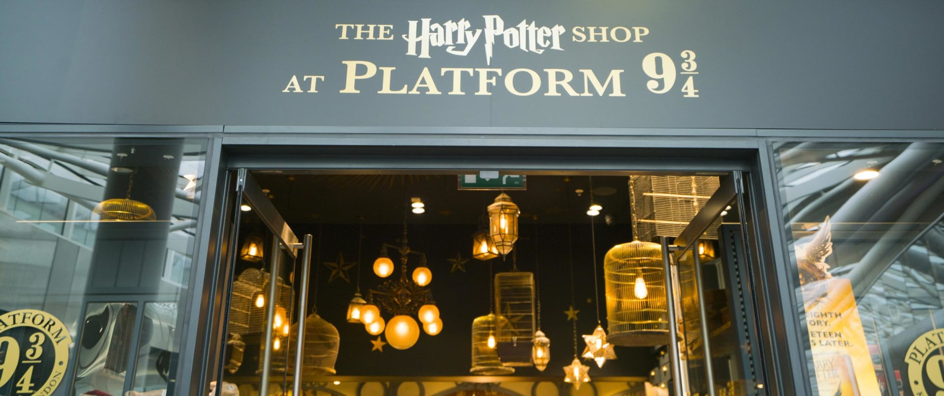 The-footsteps-of-harry-potter-walking-tour