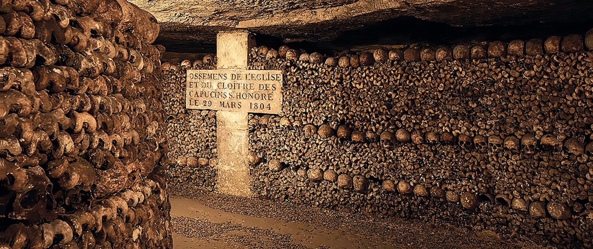 catacombs-paris-tour-bones