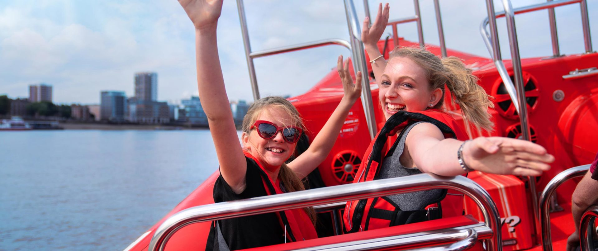 London-Eye-Thames-Speed-Boat-family-tour