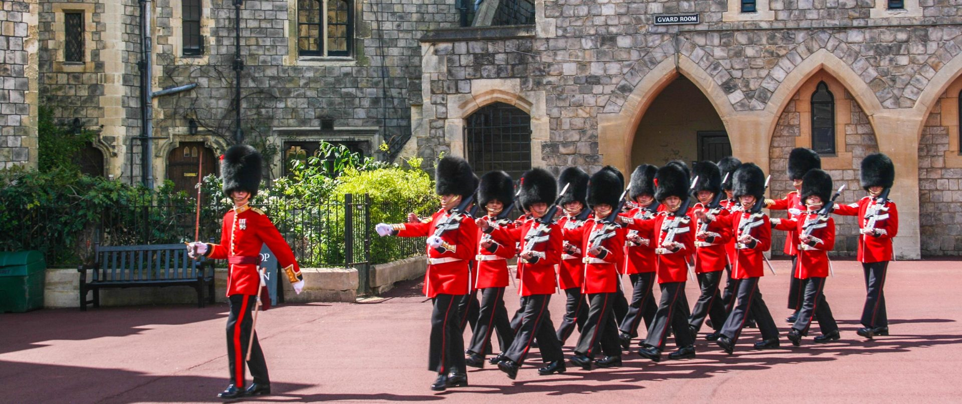 Windsor-Castle-Family-Tour-guards-