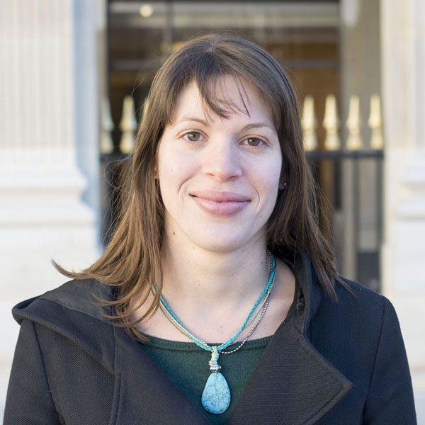 Caroline-guide-meet-the-locals-paris