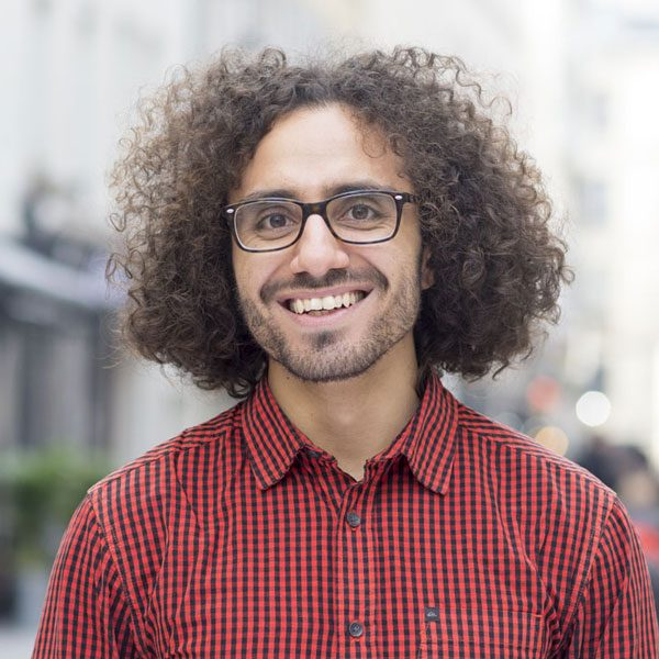Manu-guide-meet-the-locals-paris